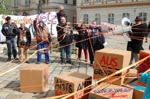 Armutsbetroffene protestieren gegen die Ausdünnung des Sozialstaats
